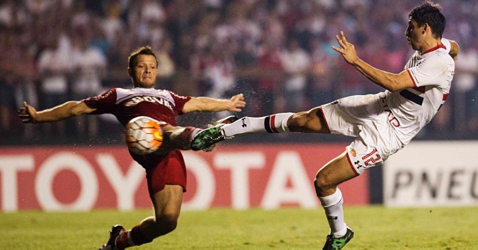 Calleri chuta e marca para o São Paulo contra o  River, na Libertadores