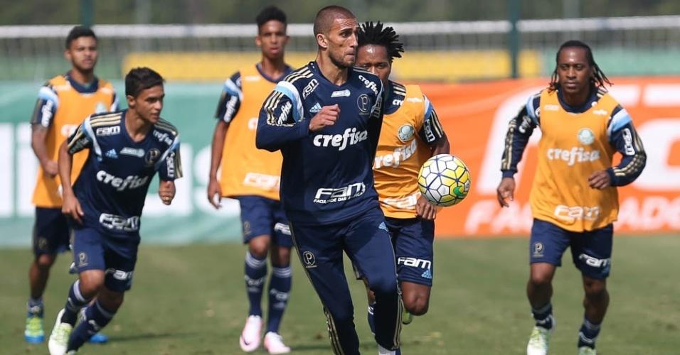 Jogadores do Palmeiras em ação no treino do Palmeiras realizado na Academia de Futebol