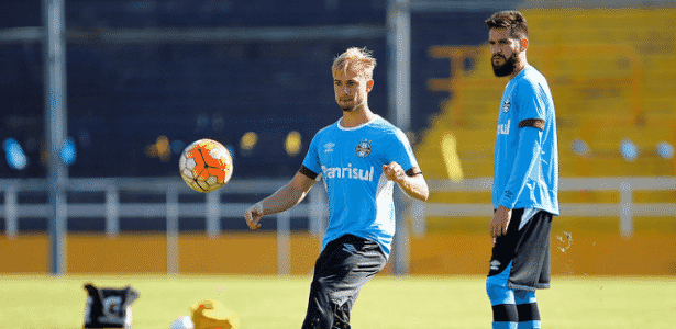 Marcelo Hermes e Marcelo Oliveira disputam vaga na lateral esquerda do Grêmio - Lucas Uebel/Grêmio