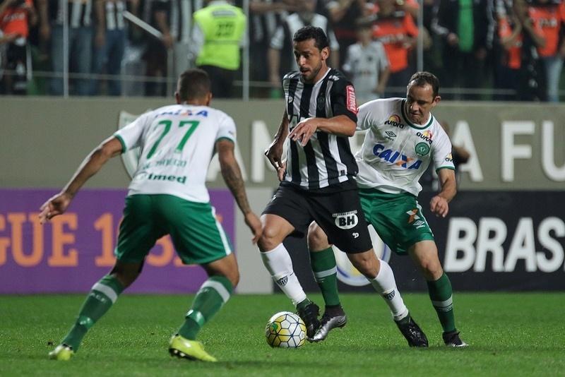 No primeiro turno o Atlético-MG venceu a Chapecoense por 3 a 1