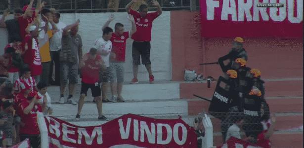 Torcida do Inter provoca interrupção do jogo em Veranópolis - Reprodução - Reprodução