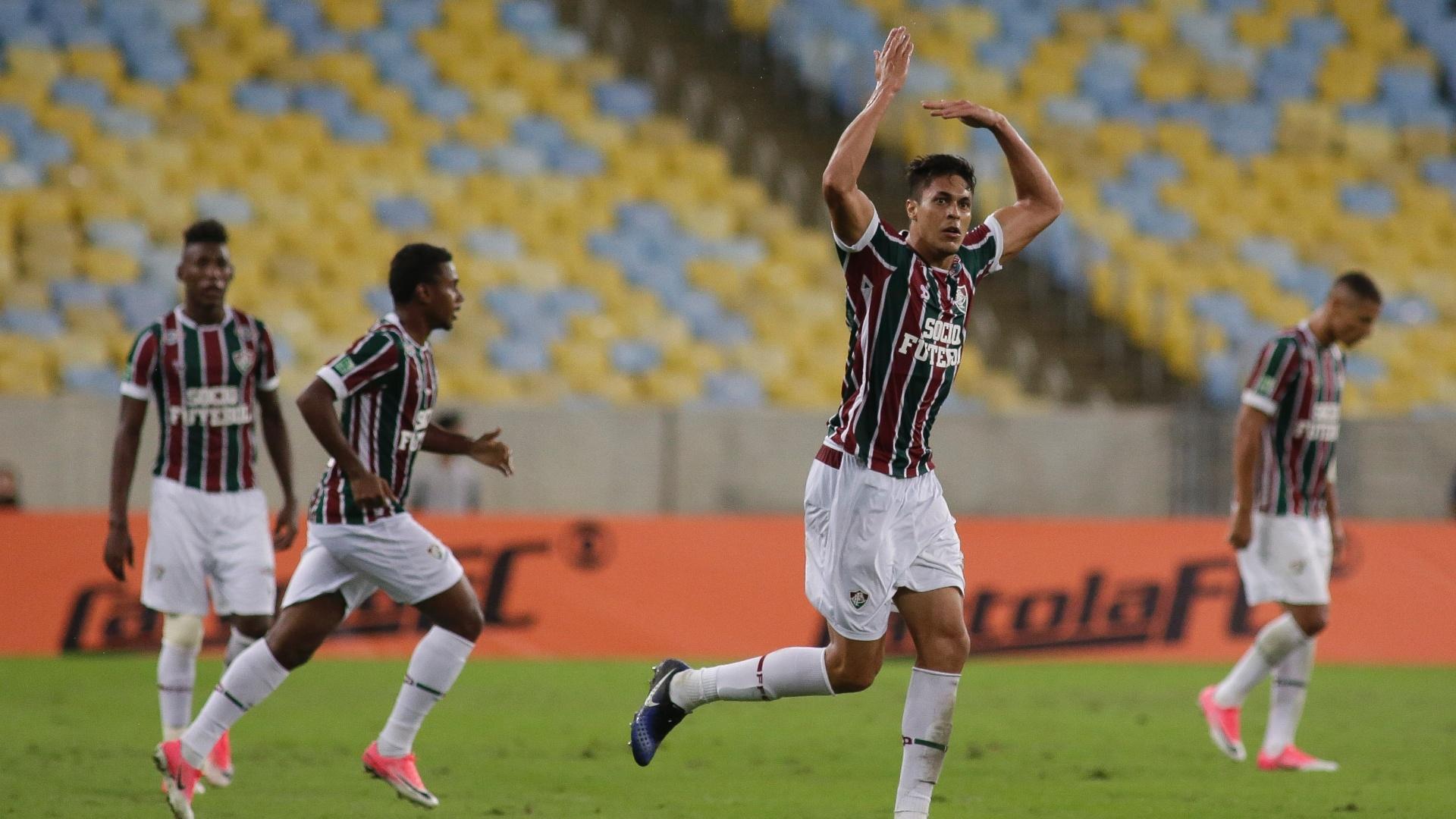 Reginaldo marca o primeiro do Fluminense contra o Atlético-P