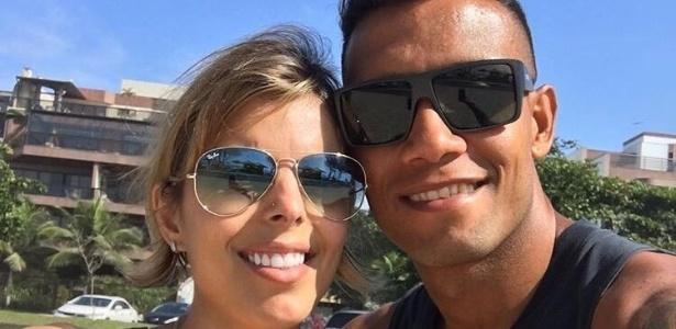 Nathalia Solano (e) ao lado de Léo Lima (d) em foto recente do casal no Rio de Janeiro