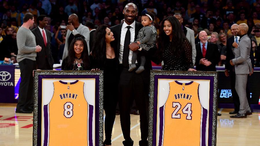 Kobe Bryant é homenageado em Lakers x Warriors - Harry How/AFP