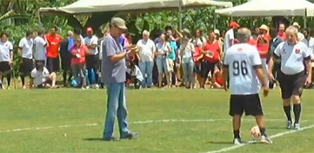 Lula participa de pelada que inaugurou campo em homenagem a Sócrates