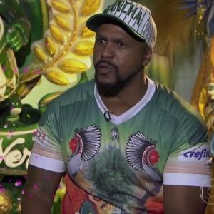 Diretor da Mancha em entrevista; Crefisa estampa sua marca na manga da camisa