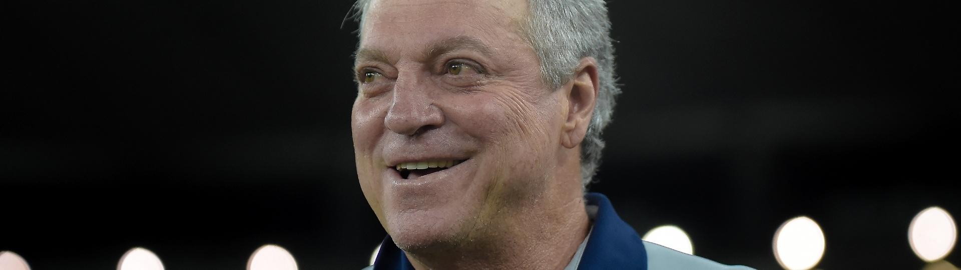 O técnico do Fluminense Abel Braga antes de confronto contra o Vasco
