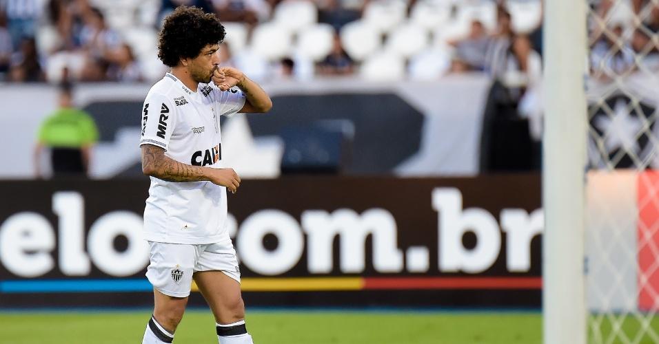 Luan comemora gol do Atlético-MG diante do Botafogo