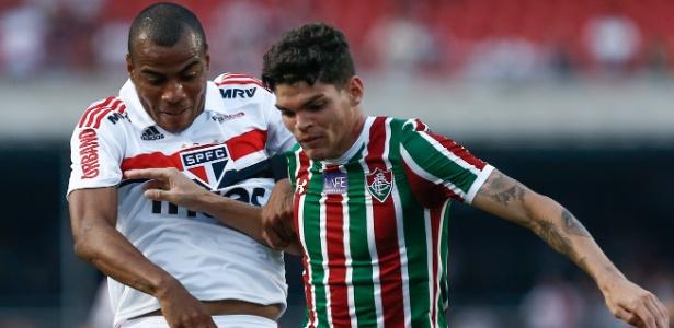 Ayrton Lucas em ação pelo Flu; lateral faz bom Brasileiro e é monitorado pelo Corinthians - Marcello Zambrana/AGIF