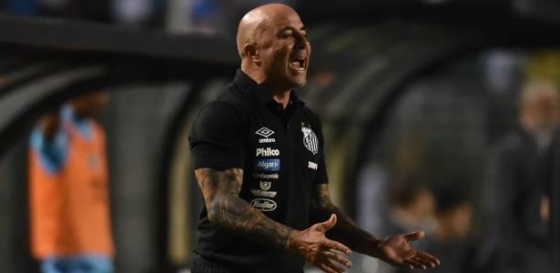 Sampaoli gesticula durante o jogo entre Santos e Novorizontino  - Ivan Storti/Santos FC