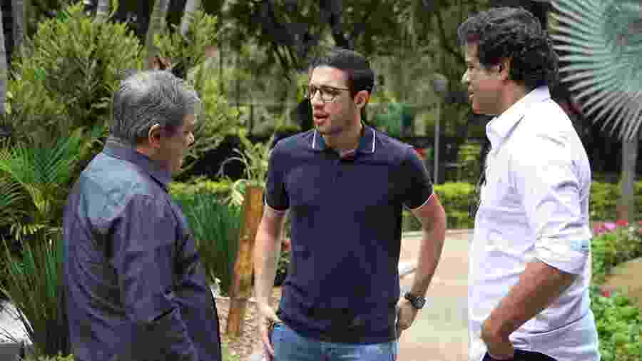Alexandre Pássaro (centro) e Raí (à direita) foram à CBF para conversar com a comissão de arbitragem - Rubens Chiri/saopaulofc.net