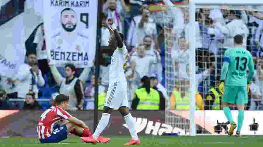 Vinicius Júnior começou jogada que terminou em gol de Benzema - Oscar del Pozo/AFP