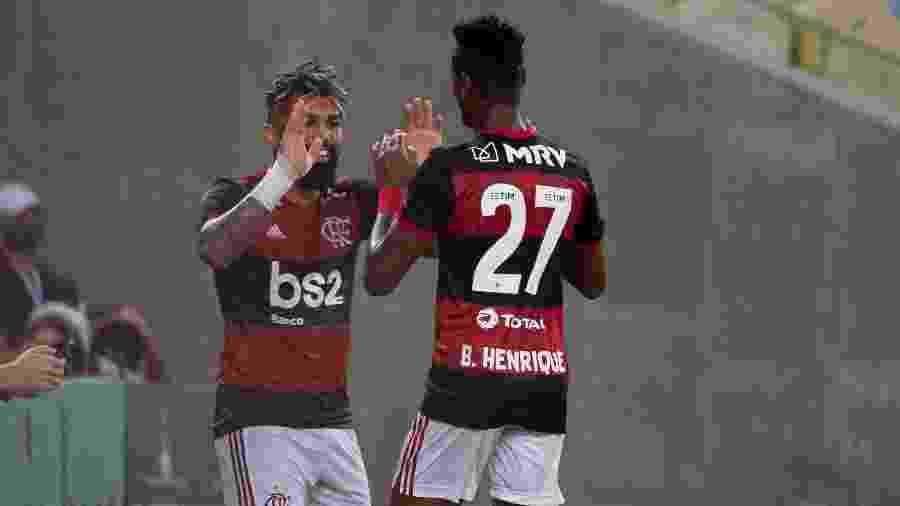 Gabigol e Bruno Henrique festejam gol do Flamengo no Maracanã. Clube vai estrear novo parceiro - Alexandre Vidal/Flamengo