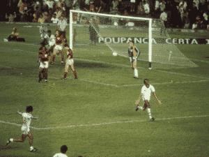 Eterno ídolo do Fluminense, Assis virou Carrasco do Flamengo por gols em 1983 e 1984 - Acervo Flu Memória - Acervo Flu Memória