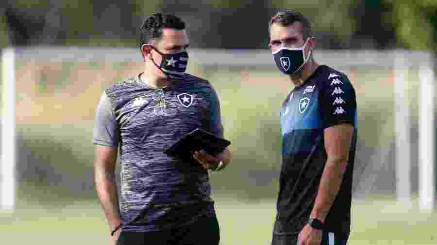 Tulio Lustosa, gerente de futebol do Botafogo, e o técnico Bruno Lazaroni - Vitor Silva/Botafogo
