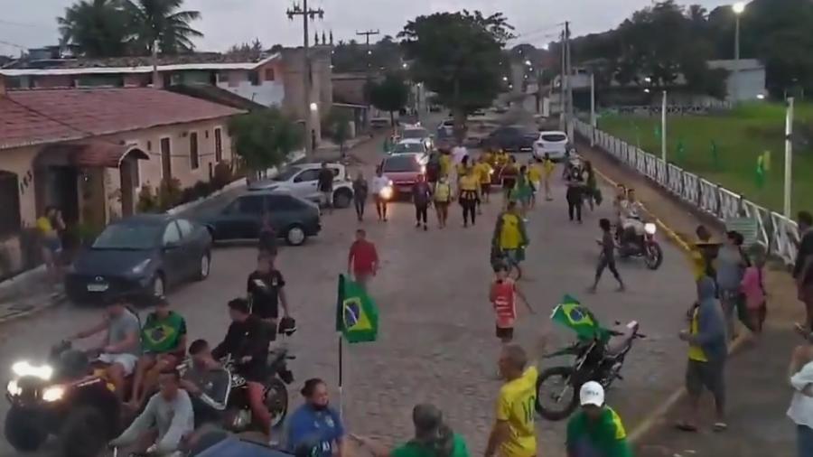 Moradores da cidade nordestina festejaram ouro de Ítalo Ferreira nas ruas do município - Reprodução/Twitter