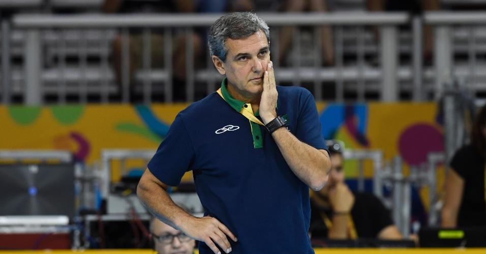 Técnico José Roberto Guimarães preferiu acompanhar o time no Pan e não no Grand Prix