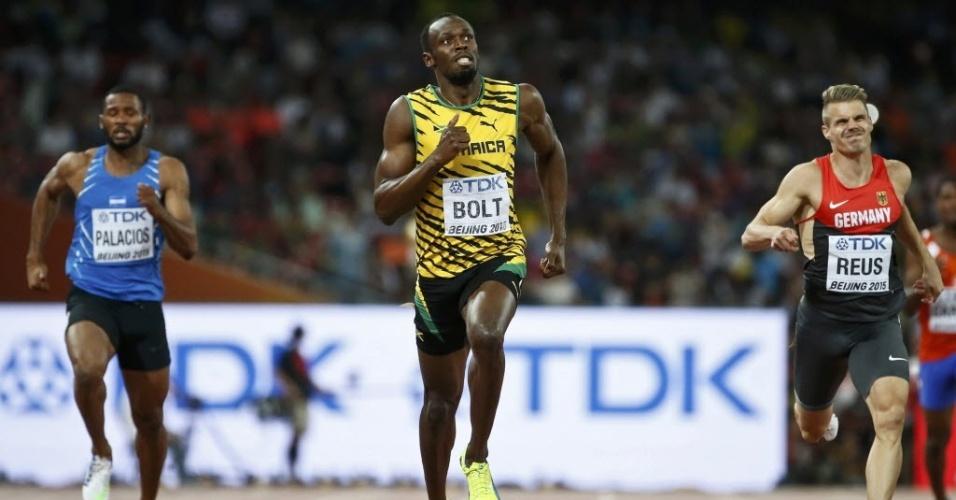 Usain Bolt venceu bateria classificatória para a semifinal dos 200m no Mundial de Pequim