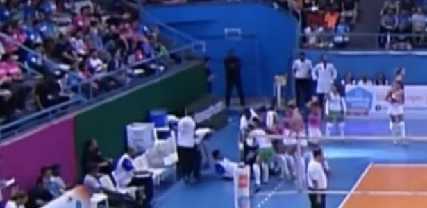 Técnico do Osasco passa mal e cai durante partida