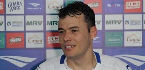 Renato Cajá desobedeceu ordem de Guto Ferreira e não entrou em campo