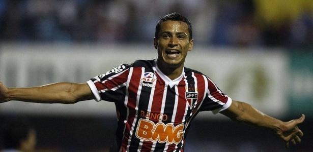 Cicero em sua primeira passagem pelo São Paulo: 16 gols pelo clube