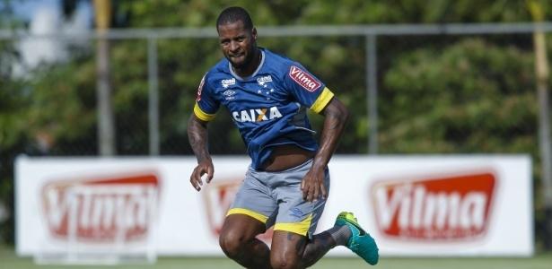 Ver Dedé 100% fisicamente é o primeiro passo para o Cruzeiro discutir renovação