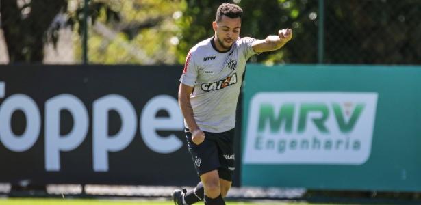 Rafael Carioca pode deixar o Atlético-MG ainda nesta segunda-feira