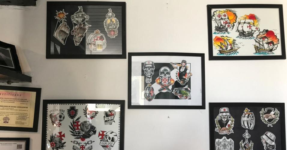 Quadros com desenhos de tatuagens do Vasco