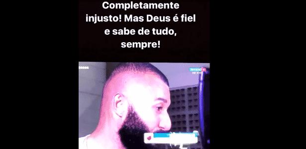 Esposa de Alex Muralha sai em defesa do goleiro após expulsão - Reprodução/Instagram - Reprodução/Instagram