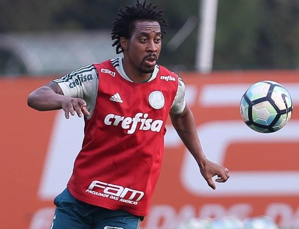Arouca trabalhou com bola normalmente e está à disposição de Cuca - Cesar Greco/Ag. Palmeiras