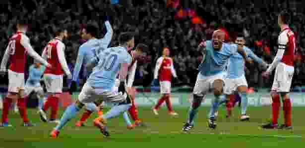 Jogadores do City comemoram gol de Kompany contra o Arsenal - Carl Recine/Reuters - Carl Recine/Reuters