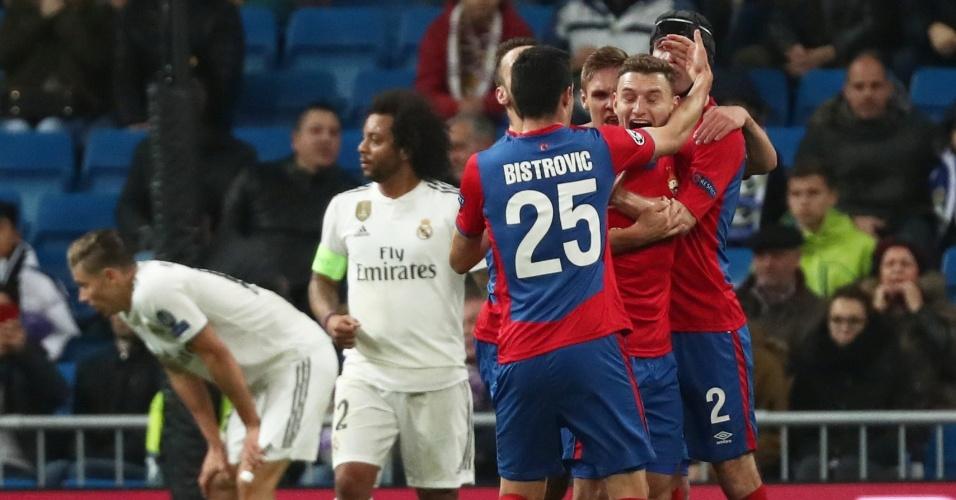 fe557b2444181 Jogadores do CSKA comemoram gol diante do Real Madrid