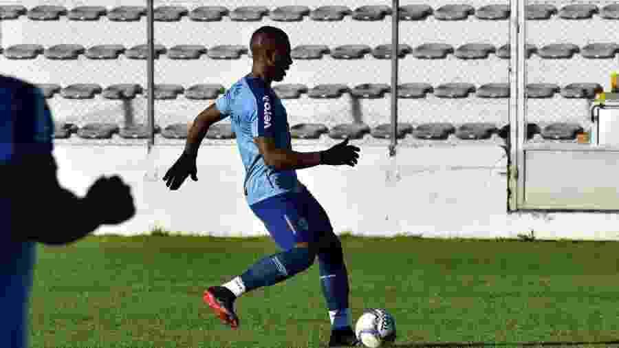 Zagueiro pode voltar a ser relacionado para o clássico de sábado, no estádio Beira-Rio - Arthur Dallegrave/Divulgação