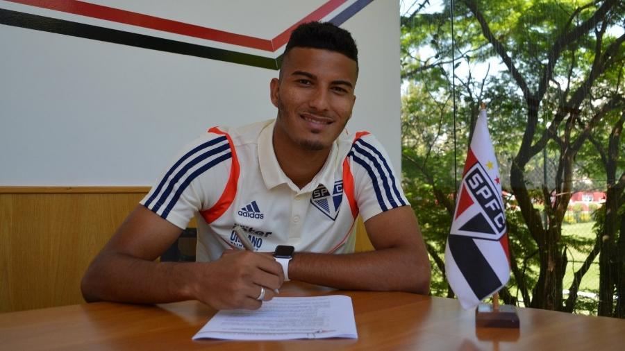 Walce renovou contrato com o São Paulo - Reprodução/Twitter do São Paulo