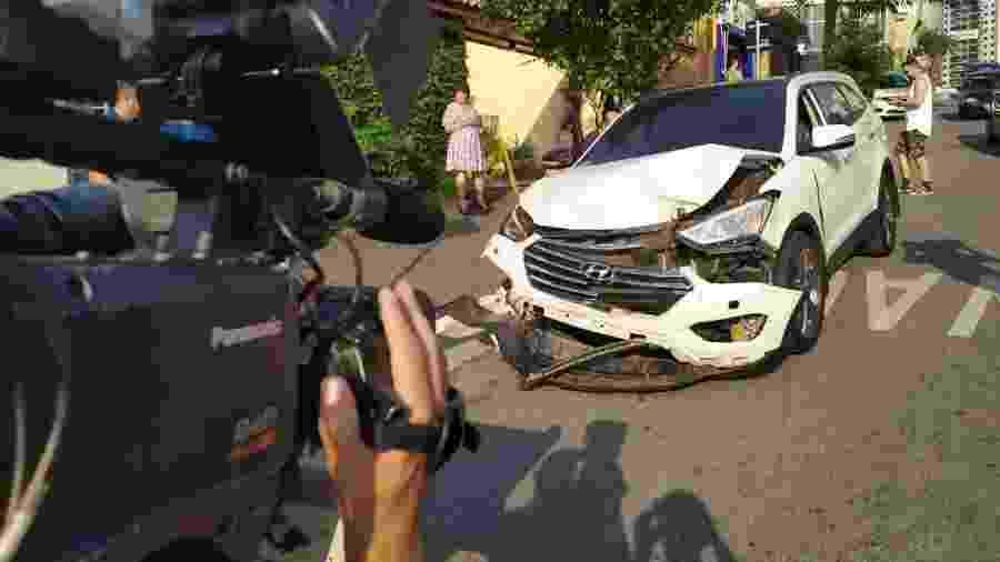 Carro do volante Ralf, do Corinthians, é filmado após acidente na zona leste de São Paulo - Lucas Faraldo/UOL