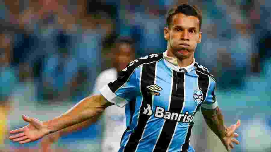 Ferreira marcou contra o Cruzeiro e será uma das atrações do Grêmio contra o Goiás - Jeferson Guareze/AGIF