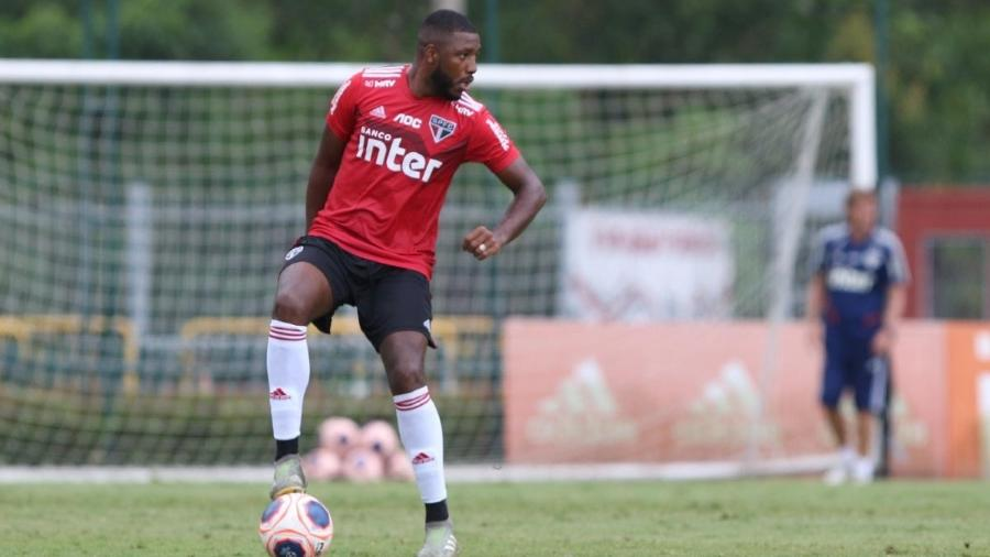 Jucilei, volante do São Paulo, pode movimentar o mercado da bola nesta janela de transferências - Rubens Chiri/saopaulofc.net