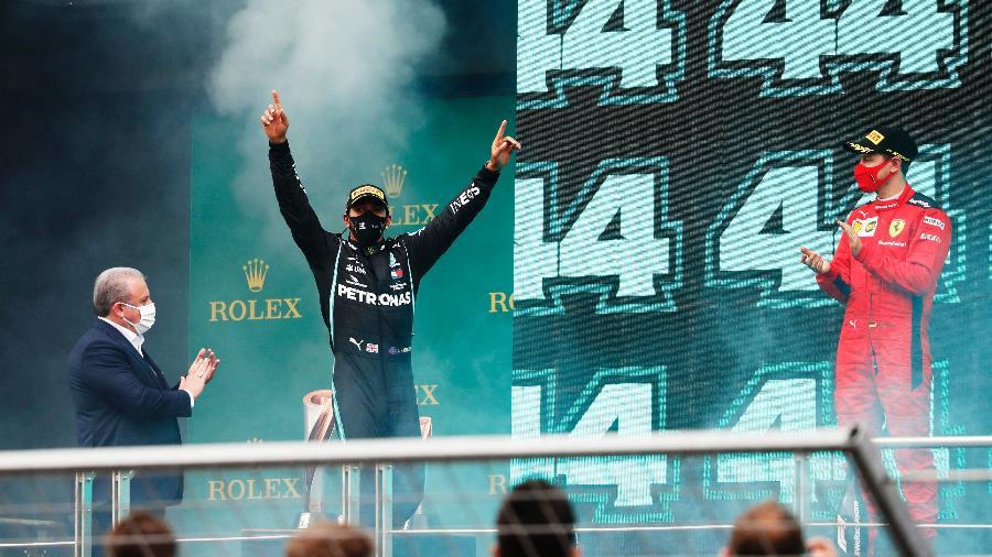 Vettel aplaude a vitória da Lewis Hamilton no GP da Turquia - Pool/Getty Images
