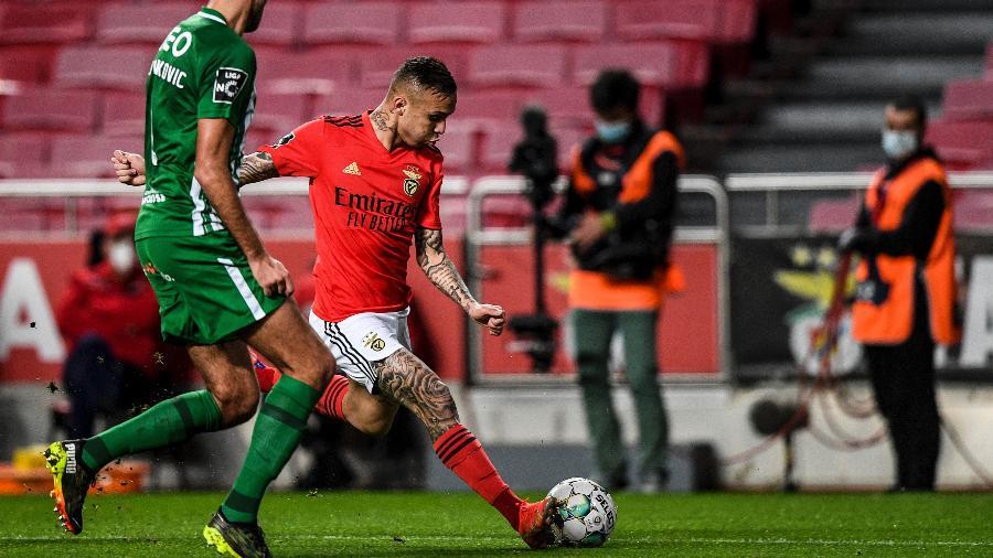 Everton participou dos dois gols do Benfica contra o Rio Ave no Campeonato Português - PATRICIA DE MELO MOREIRA/AFP