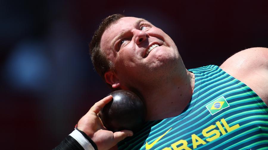 Darlan Romani, na final do arremesso de peso masculino - REUTERS/Kai Pfaffenbach