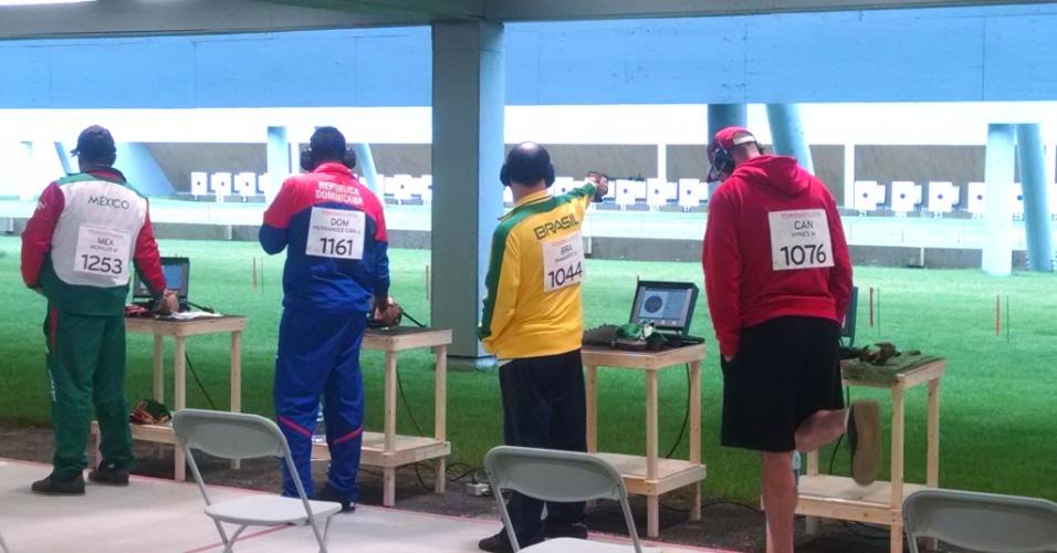 Brasil foi ouro no tiro 50 m com Julio Almeida