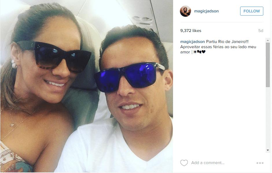 Campeão brasileiro pelo Corinthians, Jadson curte férias no Rio de Janeiro com a mulher
