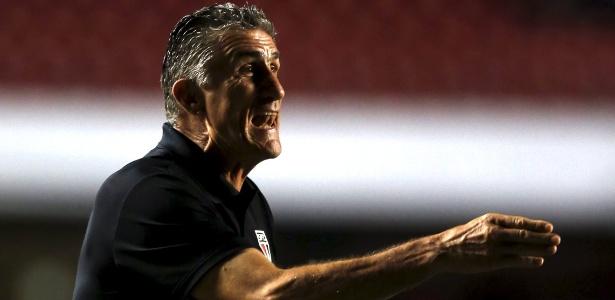 Edgardo Bauza mostra-se adaptado ao São Paulo e fala até em renovar contrato