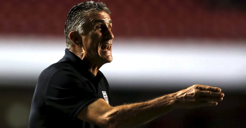 Edgardo Bauza orienta o São Paulo contra o Trujillanos pela Libertadores da América