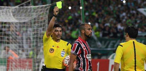 Wesley disse que São Paulo poderia ter ido melhor se juiz tivesse apitado corretamente