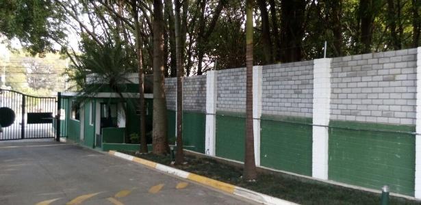Muro da Academia de Futebol ganhou altura e separou definitivamente o Palmeiras do SP