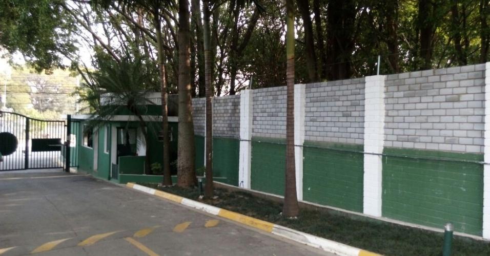Muro Palmeiras entrada Academia de Futebol