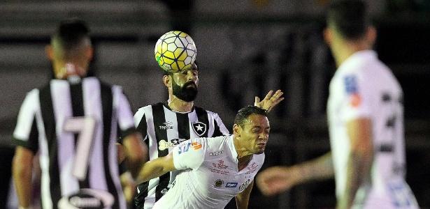 Ricardo Oliveira em ação contra o Botafogo - Vitor Silva/SSPress/Botafogo