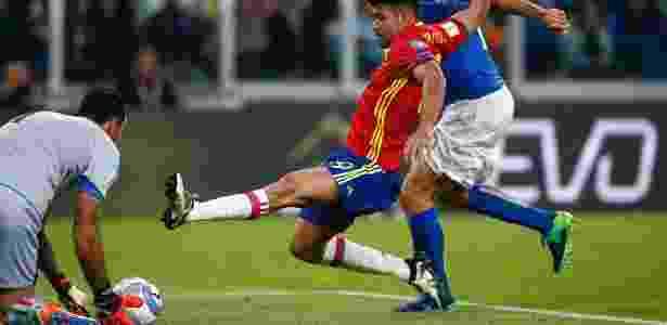 Buffon precisou ficar atento durante todo o primeiro tempo - AFP / Marco BERTORELLO - AFP / Marco BERTORELLO