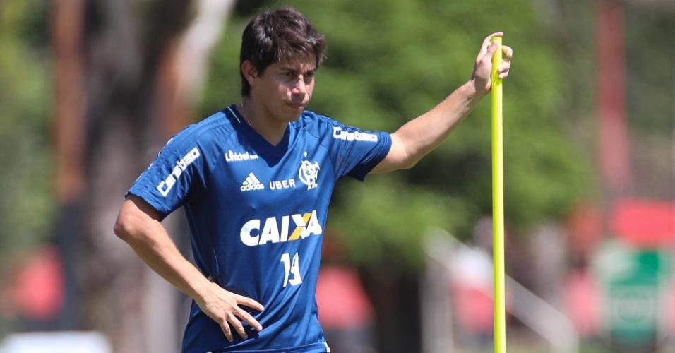 Darío Conca está cada vez mais próximo de voltar aos gramados e estrear pelo Flamengo